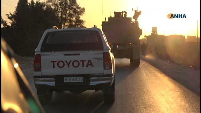 Lính Mỹ bất ngờ tháo chạy khỏi miền Bắc Syria, bỏ mặc đồng minh - Thổ Nhĩ Kỳ chuẩn bị khai đao - Ảnh 9.