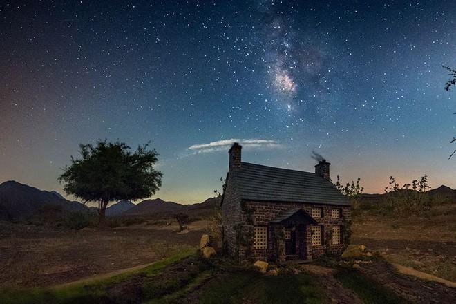 Ngắm những ánh trăng lừa dối tuyệt đẹp từ nghệ thuật chụp ảnh thiên văn bằng tiểu cảnh - Ảnh 3.