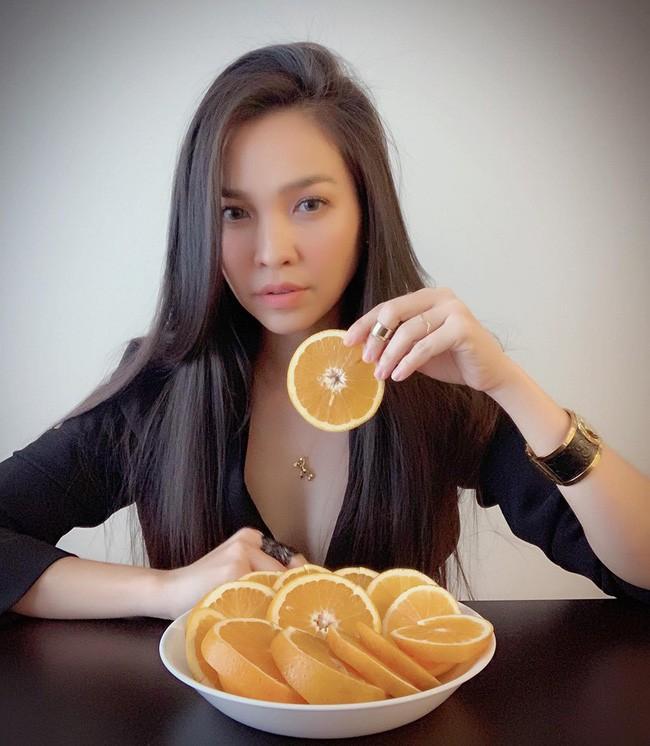 38 tuổi, mẹ đơn thân Hiền Thục vẫn chẳng ngại ngần chụp ảnh táo bạo khoe thân hình sexy như gái đôi mươi - Ảnh 3.