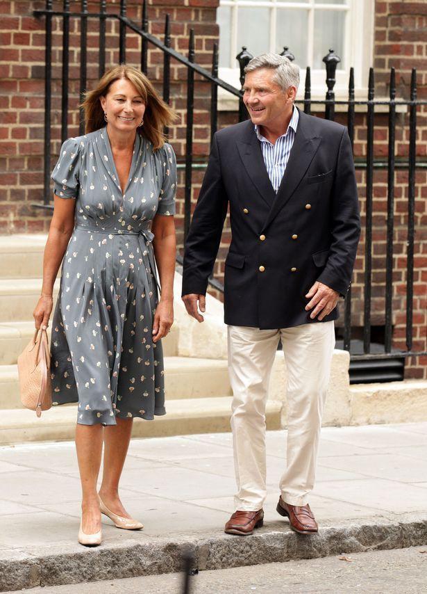 Công nương Kate đau đầu với vụ lùm xùm mới của gia đình vì cha mẹ đẻ kiếm tiền từ con trai của Meghan Markle - Ảnh 4.