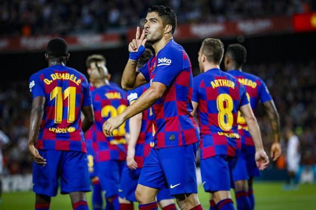 Messi thông nòng bằng siêu phẩm, Barcelona vùi dập kẻ thách thức nhưng niềm vui chưa trọn vẹn bởi drama thẻ đỏ cuối trận - Ảnh 5.