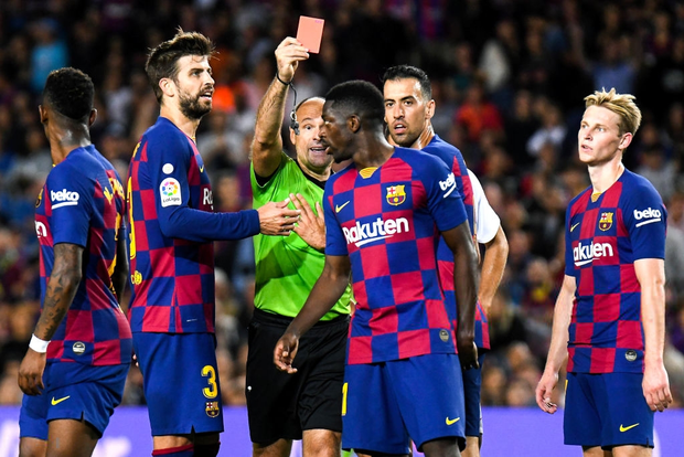 Messi thông nòng bằng siêu phẩm, Barcelona vùi dập kẻ thách thức nhưng niềm vui chưa trọn vẹn bởi drama thẻ đỏ cuối trận - Ảnh 8.