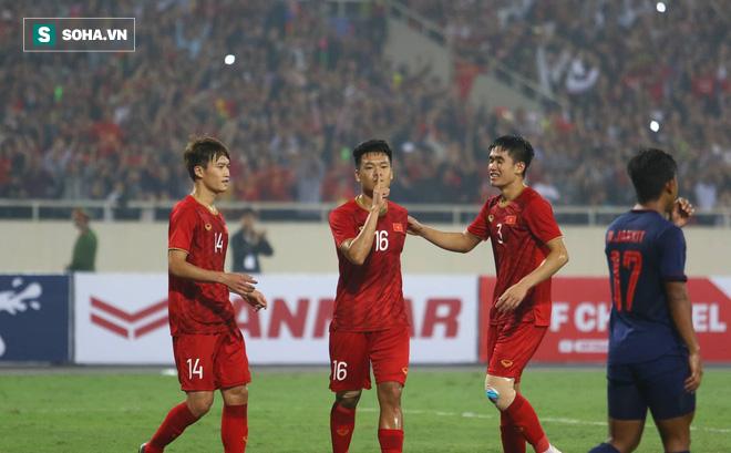 HLV Park Hang-seo loại 5 cầu thủ, chốt danh sách giàu sức tấn công hòng đấu UAE - Ảnh 1.