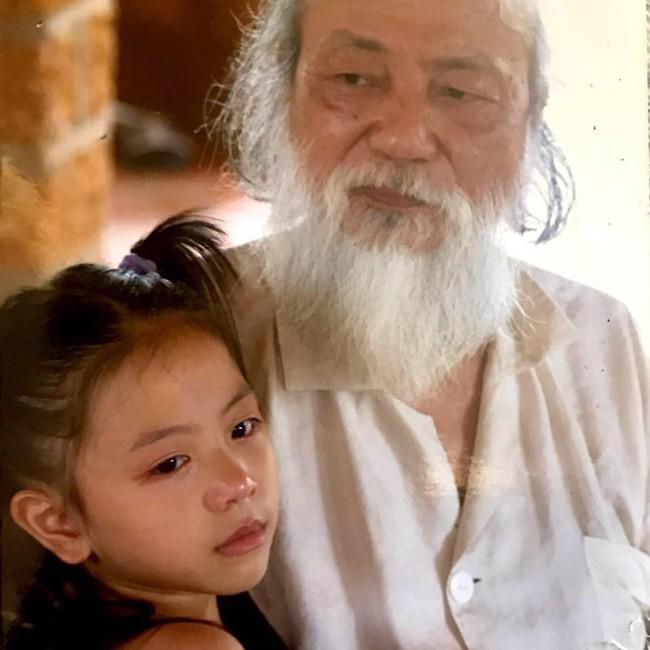 Rich kid Đặng Tiểu Tô Sa - cháu ngoại cố nhà giáo Văn Như Cương đã du học về nước, lột xác ngày càng xinh đẹp thời thượng - Ảnh 1.