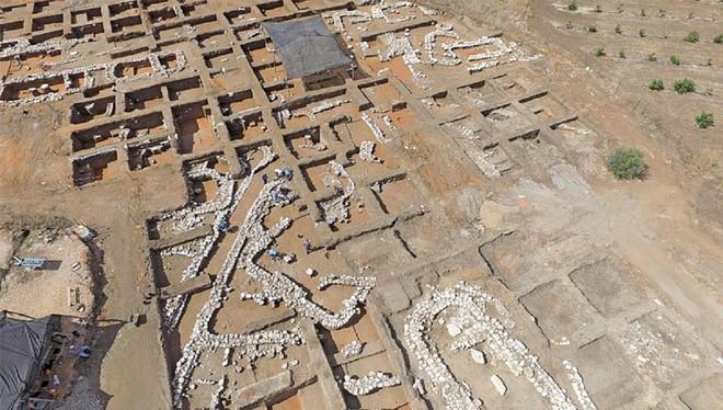 Phát hiện thành phố 5.000 năm tuổi quy hoạch rất đẹp tại Israel - Ảnh 1.
