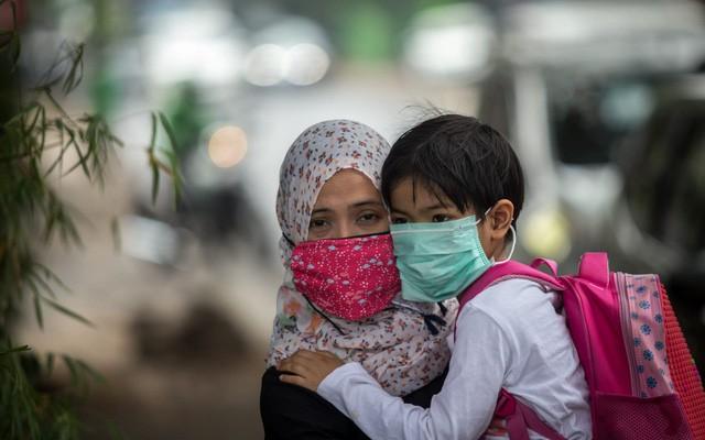 Indonesia: Chịu hậu quả nặng nề về sức khoẻ do ô nhiễm không khí và bụi mịn, người dân quyết nộp đơn kiện chính phủ - Ảnh 4.
