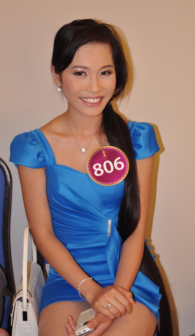 Mái tóc dài kỉ lục và ảnh bikini gợi cảm của vợ shark Hưng thời thi hoa hậu - Ảnh 4.
