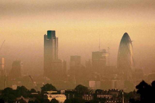 Không chỉ ở Hà Nội, người dân London cũng đang hoảng sợ vì ô nhiễm không khí - Ảnh 2.