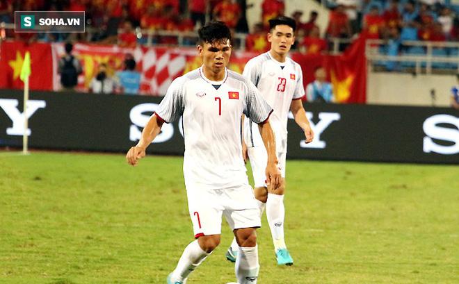 HLV Park Hang-seo gạch tên 2 hậu vệ, chốt danh sách 23 cầu thủ đấu Malaysia - Ảnh 1.