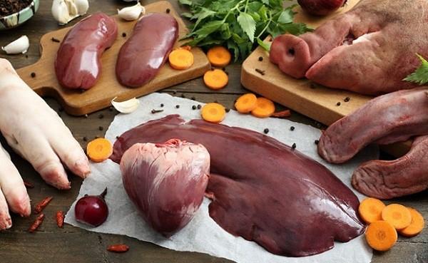 Bác sỹ dinh dưỡng khuyến cáo gì khi cho trẻ ăn nội tạng động vật? - Ảnh 1.