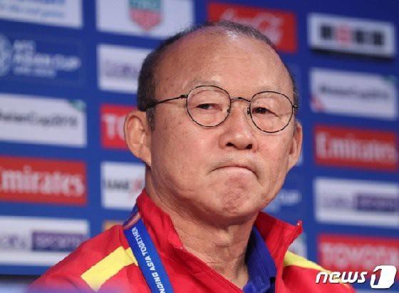 """Báo Hàn lo lắng cho """"số phận"""" của ĐT Việt Nam và HLV Park Hang-seo trước cuộc đấu Malaysia - Ảnh 2."""