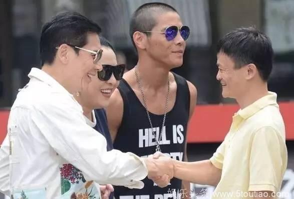 """""""Tỷ phú giàu nhất Trung Quốc"""" được Lý Liên Kiệt ra sức bảo vệ, nửa làng giải trí Hoa ngữ muốn kết thân - Ảnh 8."""