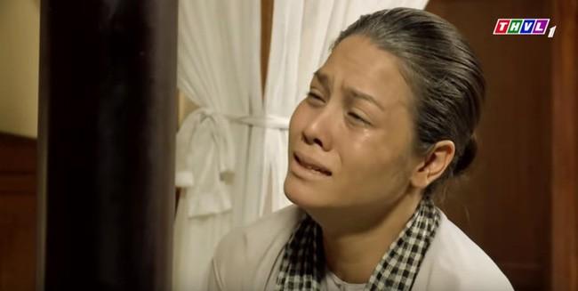 Tiếng sét trong mưa: Thị Bình gào khóc, quỳ gối van xin khi Khải Duy oán trách chuyện sinh con cho chồng mới - ảnh 1