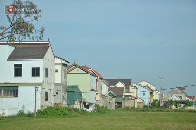 """Chùm ảnh: Hàng loạt nhà """"Hàn Quốc"""", nhà """"Nhật Bản"""" mọc lên như nấm ở xã nghèo Hà Tĩnh - Ảnh 13."""