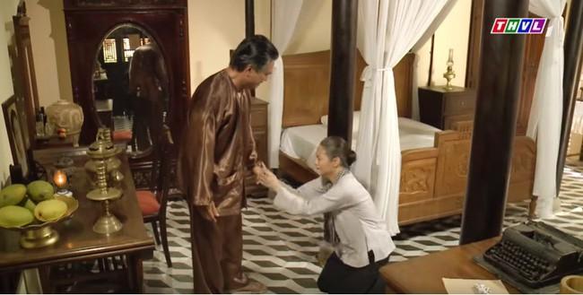 Tiếng sét trong mưa: Thị Bình gào khóc, quỳ gối van xin khi Khải Duy oán trách chuyện sinh con cho chồng mới - ảnh 4