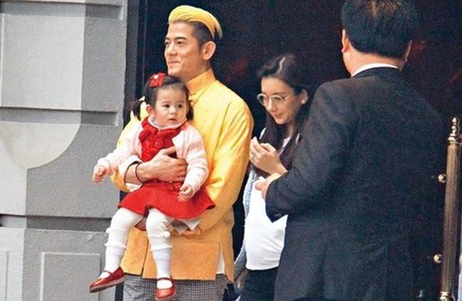 Thiên vương Quách Phú Thành: Chiều vợ như bà hoàng, chi hơn 300 triệu/tháng nuôi cả nhà vợ - Ảnh 11.