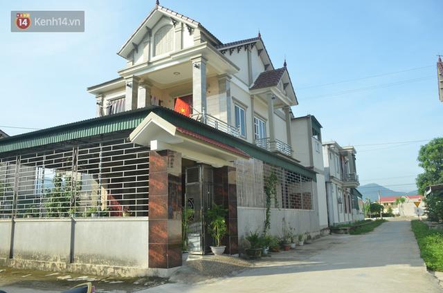 """Chùm ảnh: Hàng loạt nhà """"Hàn Quốc"""", nhà """"Nhật Bản"""" mọc lên như nấm ở xã nghèo Hà Tĩnh - Ảnh 7."""