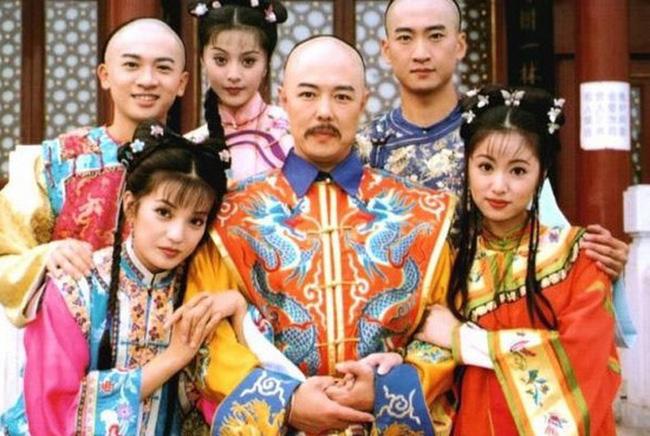Lâm Tâm Như xấu hổ khi phải quay cảnh hôn môi, dụ dỗ lên giường với Hoàng A Mã Trương Thiết Lâm - Ảnh 2.