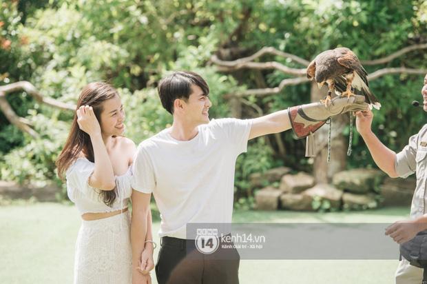 Theo chân Đông Nhi và Ông Cao Thắng sau khi thành vợ chồng - ảnh 1
