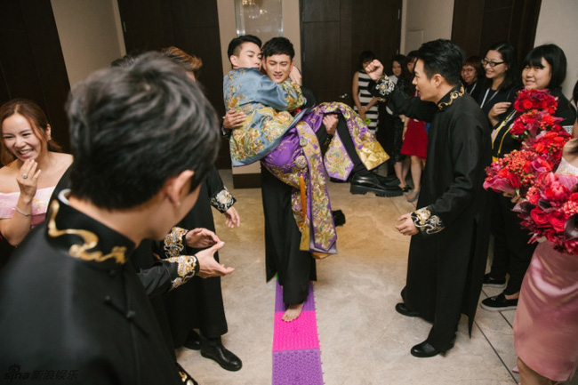 Chẳng riêng gì Ông Cao Thắng mà những sao Hoa ngữ này cũng phải vượt qua những thử thách khó nhằn mới đón được cô dâu của mình - ảnh 3