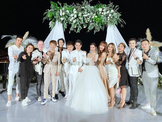 Gil Lê và Hoàng Thùy Linh không rời nhau nửa bước trong suốt lễ cưới của Đông Nhi - Ông Cao Thắng - Ảnh 4.