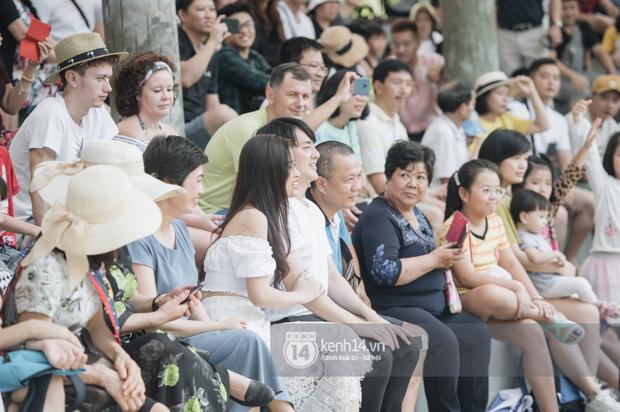 Theo chân Đông Nhi và Ông Cao Thắng sau khi thành vợ chồng - ảnh 8