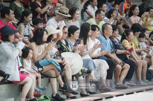 Theo chân Đông Nhi và Ông Cao Thắng sau khi thành vợ chồng - ảnh 10