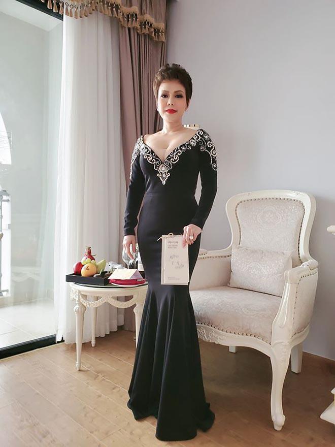 Suốt 2 năm không dự tiệc cưới đồng nghiệp, vì sao Việt Hương lại tới Phú Quốc chúc mừng Đông Nhi? - Ảnh 5.