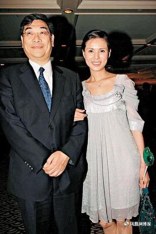 3 mỹ nhân Cbiz thay chồng gánh nợ: Lý Nhược Đồng 3 năm trả 340 tỷ, Lưu Đào 4 năm trả hơn 1 nghìn tỷ - ảnh 1