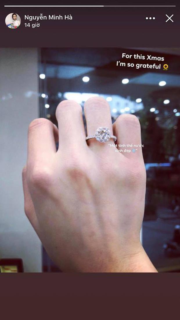 Giữa tin đồn chia tay Chí Nhân, MC Minh Hà hạnh phúc khoe ảnh tình tứ với 'chỗ dựa', đáng chú ý là cặp nhẫn kim cương - ảnh 4