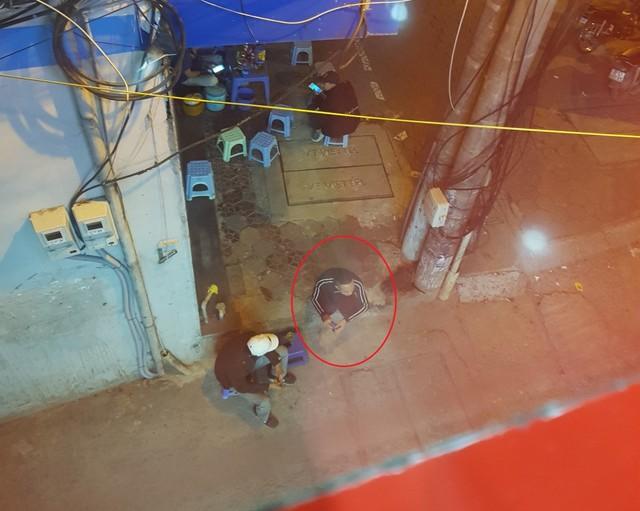 """Hà Nội: Tái diễn mời chào mại dâm rồi lừa đảo, cưỡng đoạt tài sản của khách trên phố """"sung sướng"""" - Ảnh 2."""
