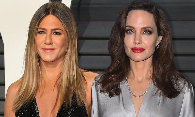 Jennifer Aniston động đến cả ông lớn Marvel chỉ để mỉa mai Angelina Jolie, cuộc chiến với tình địch cũ chưa dứt? - Ảnh 1.