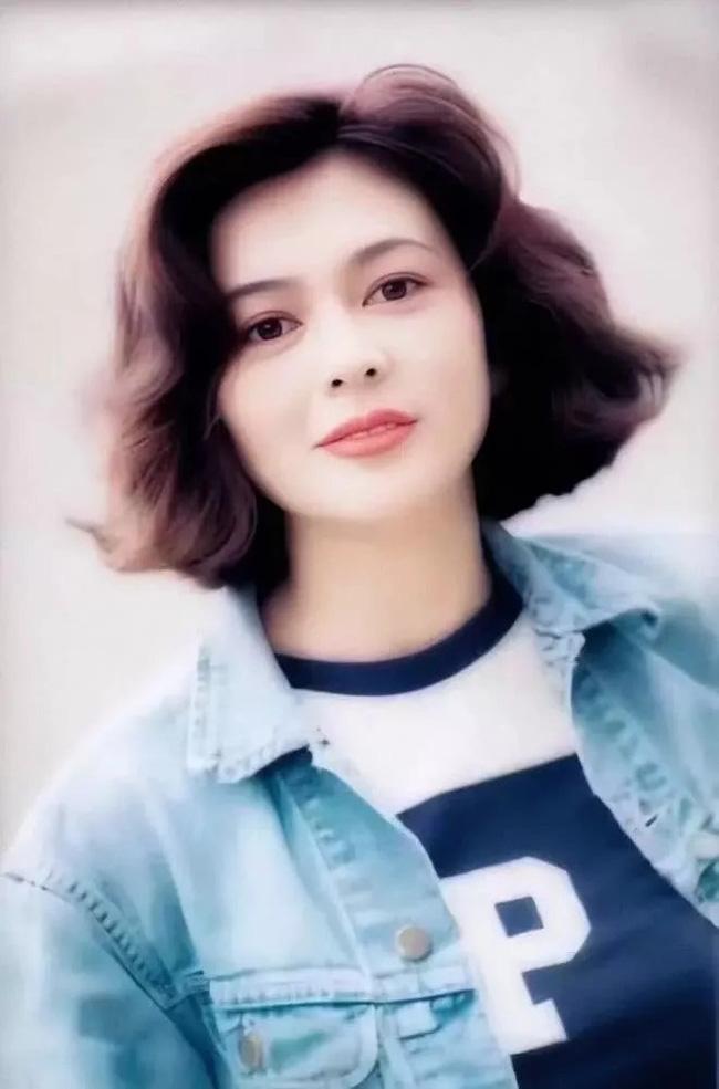 Nhìn lại nhan sắc tuổi 20 của một trong tứ đại mỹ nhân Hong Kong Quan Chi Lâm - Ảnh 12.