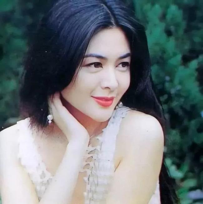 Nhìn lại nhan sắc tuổi 20 của một trong tứ đại mỹ nhân Hong Kong Quan Chi Lâm - Ảnh 13.