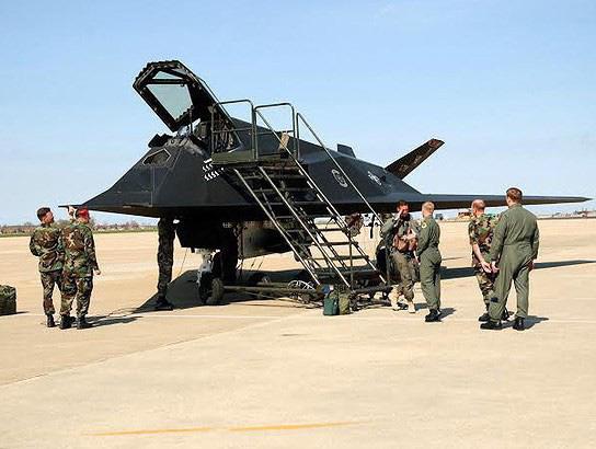 [ẢNH] Mỹ khôi phục tiêm kích tàng hình F-117 để trưng bày, hay âm thầm tái sử dụng? - Ảnh 17.