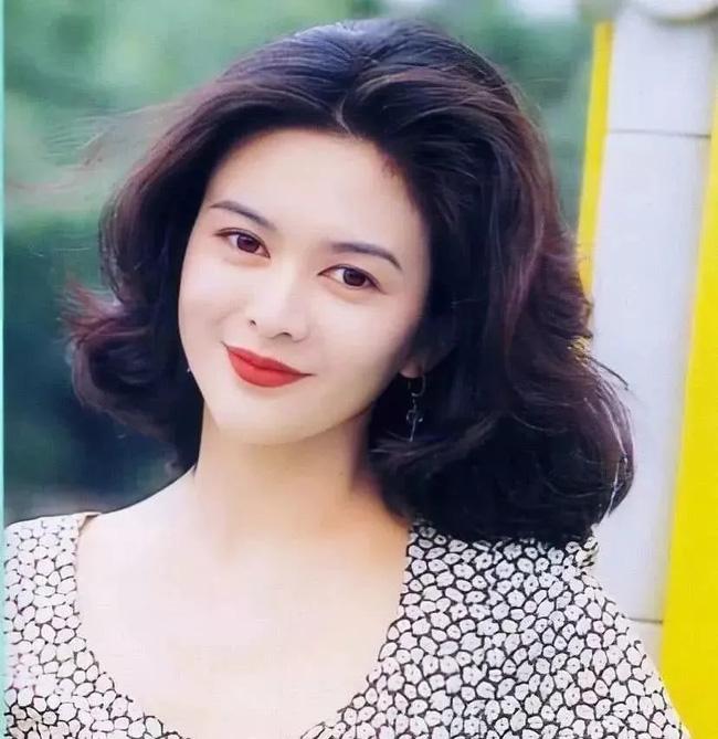 Nhìn lại nhan sắc tuổi 20 của một trong tứ đại mỹ nhân Hong Kong Quan Chi Lâm - Ảnh 4.
