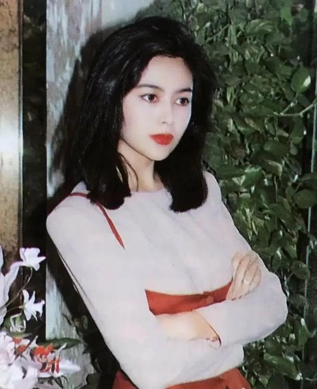 Nhìn lại nhan sắc tuổi 20 của một trong tứ đại mỹ nhân Hong Kong Quan Chi Lâm - Ảnh 5.