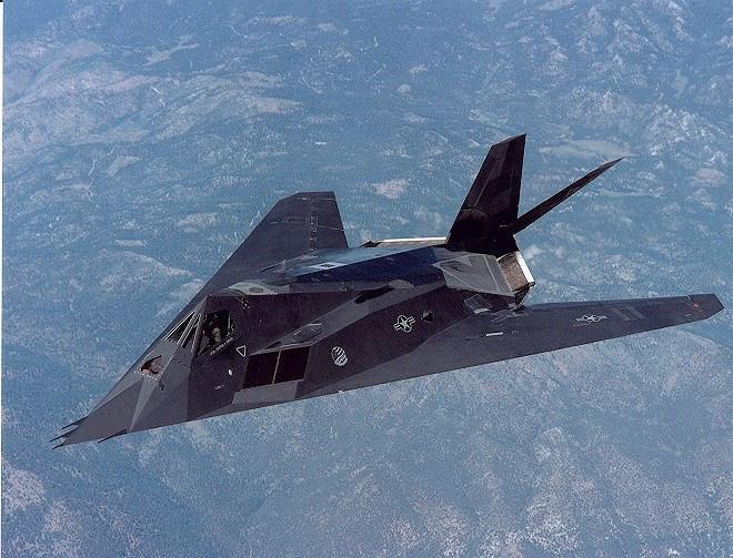 [ẢNH] Mỹ khôi phục tiêm kích tàng hình F-117 để trưng bày, hay âm thầm tái sử dụng? - Ảnh 8.