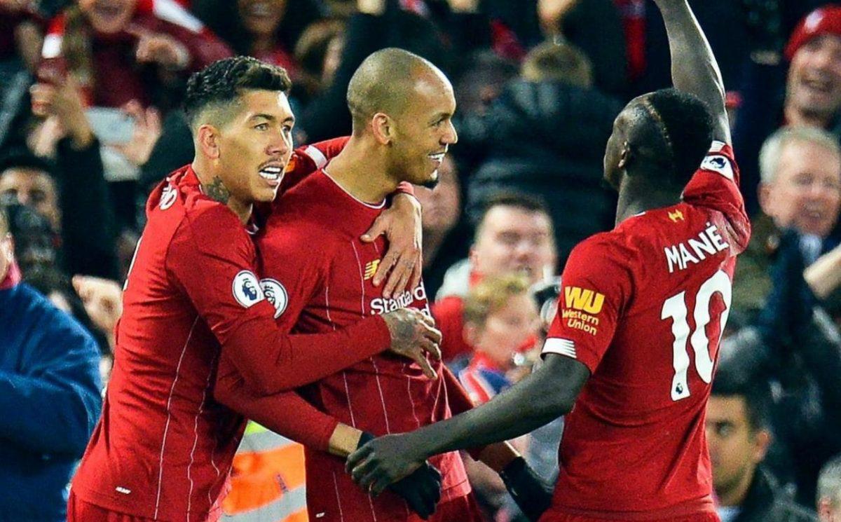 """Chẳng có LiVARpool, chỉ có thời vận của Liverpool """"bất khả chiến bại"""""""