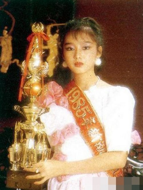 Lưu Đức Hoa và cuộc hôn nhân không đám cưới tử tế, giấu kín vợ Á hậu hơn 20 năm vì lo sợ - Ảnh 4.