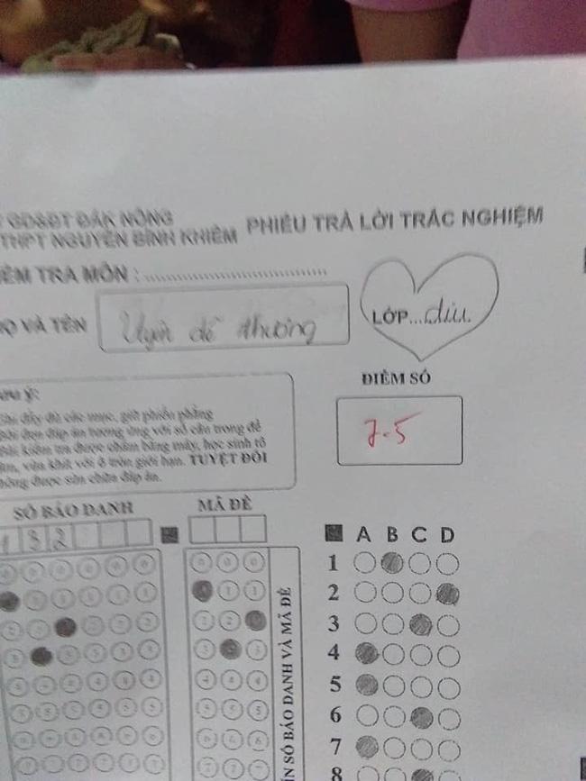 Nữ sinh lầy lội thả thính cả thầy giáo trong bài kiểm tra, hình phạt thích đáng khiến dân mạng phì cười - Ảnh 2.