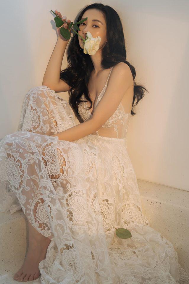 Hot girl Jun Vũ ở tuổi 25: Ngoại hình ngày càng nóng bỏng, không tiếc tiền mua xe sang, hàng hiệu - Ảnh 2.