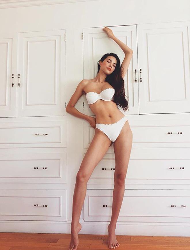 Hoa hậu Phạm Hương bất ngờ tung ảnh bán nude táo bạo - Ảnh 2.