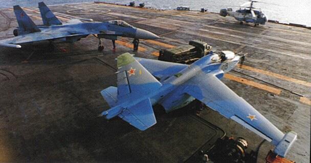 Phi công hải quân Nga buộc phải luyện tập trên... tàu sân bay hỏng? - ảnh 8