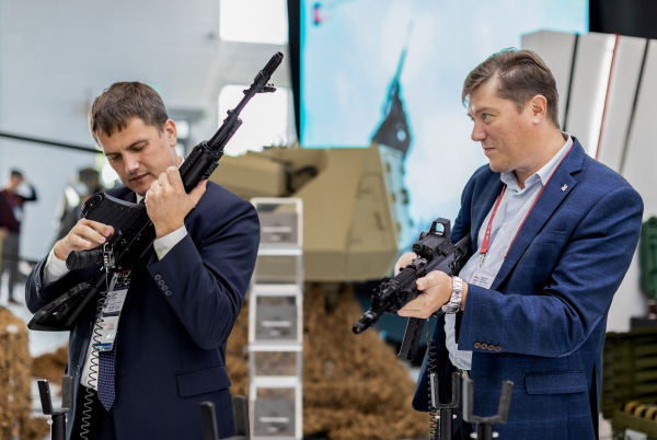 Dùng đạn địch, đánh địch: Súng AK mới sẽ khiến lính Mỹ và đồng minh NATO ngã ngửa? - Ảnh 5.