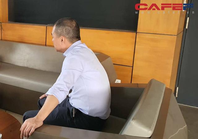 Xuất hiện sau gần 1 tháng đóng cửa Món Huế, ông Huy Nhật khẳng định bị nhóm NĐT ngoại đẩy ra khỏi công ty, dù muốn cũng không thể trả nợ nhà cung cấp - Ảnh 1.