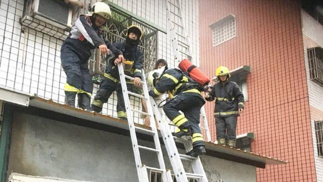 Lắp chuồng cọp quá kiên cố, gia đình 4 người chết cháy trong hỏa hoạn vì không có lối thoát - Ảnh 2.