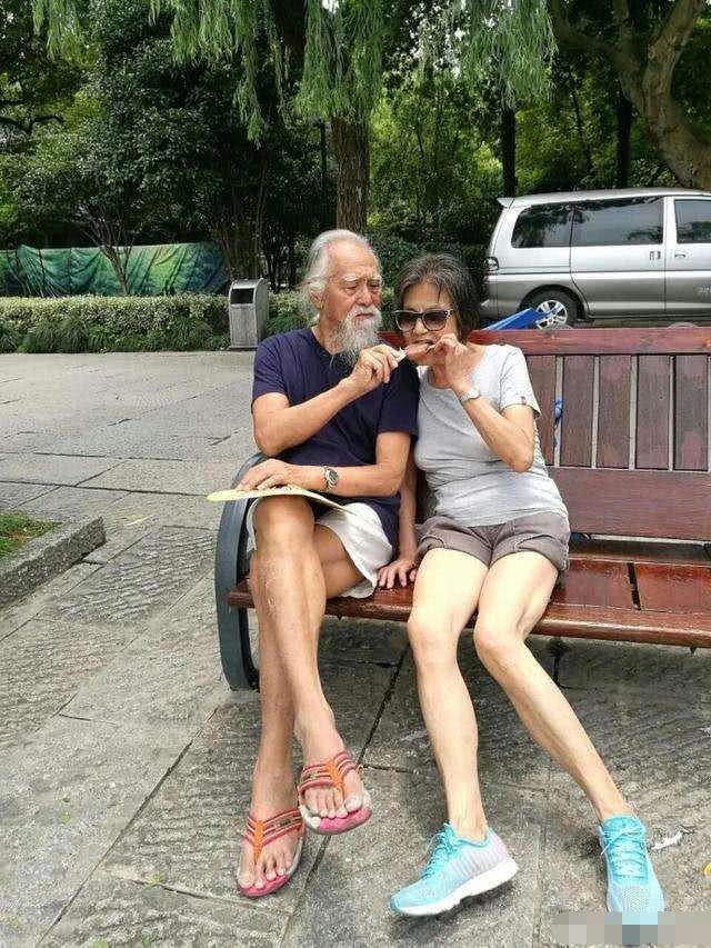 Tài tử đẹp lão nhất Trung Quốc: 83 tuổi vẫn tập gym, làm người mẫu, đóng cảnh hành động - Ảnh 9.
