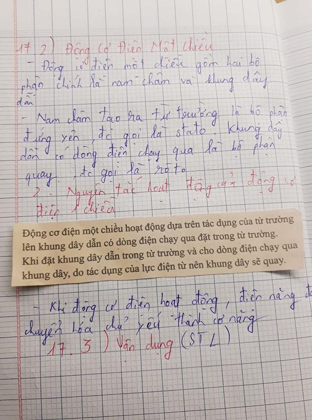 Cô giáo bảo về nhà chép lý thuyết vào vở, nam sinh lười quá... cắt luôn sách dán vào cho nhanh - Ảnh 1.