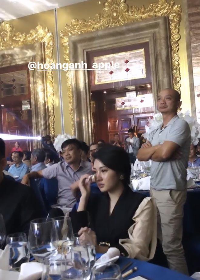 Danh tính gây bất ngờ về người đẹp ngồi khóc trong đám cưới của Bảo Thy với chồng đại gia - ảnh 5